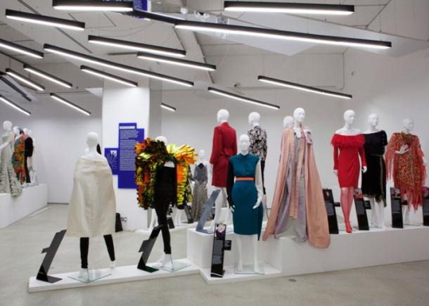 Women-Fashion-Power-exhibition-by-Zaha-Hadid-London-UK-04
